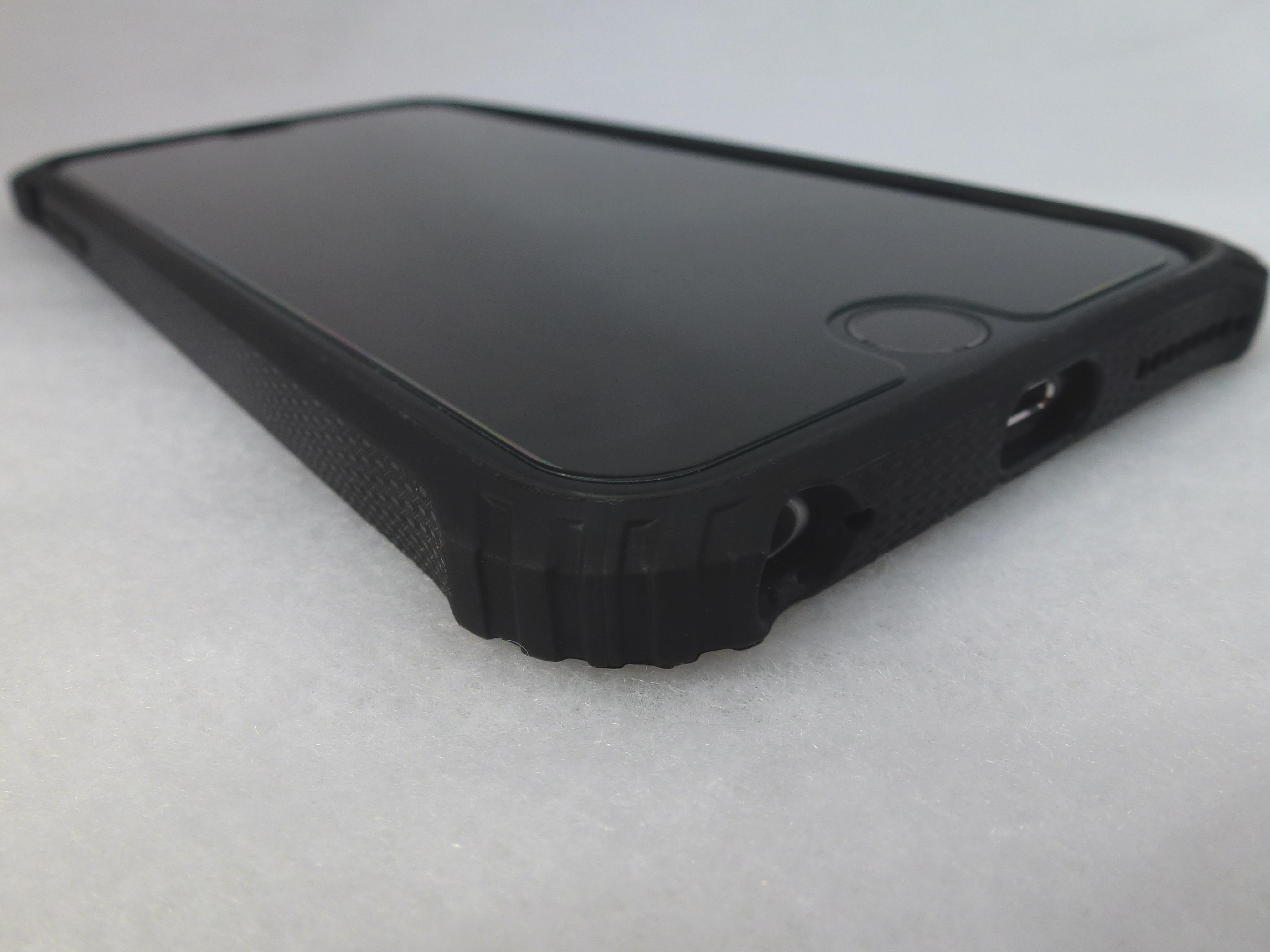 finest selection 1712b 44b30 Review: Griffin Survivor Core for iPhone 6 Plus-Impressive! - Tech ...